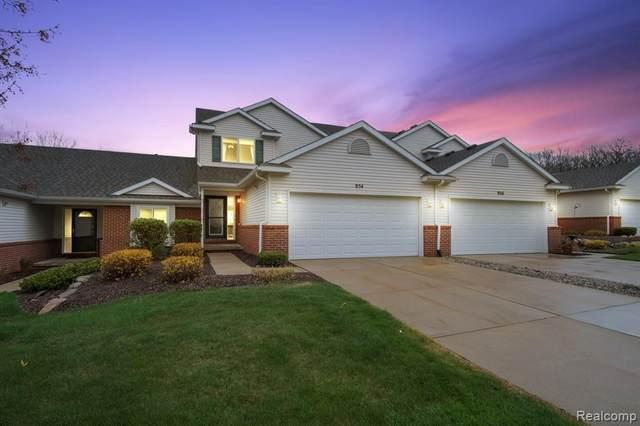954 Spirea Unit#37-Bldg#19, Howell, MI 48843 (MLS #2210025936) :: The BRAND Real Estate