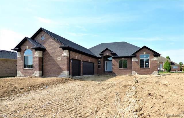 35613 Windridge Dr, New Baltimore, MI 48047 (MLS #2210027767) :: Kelder Real Estate Group