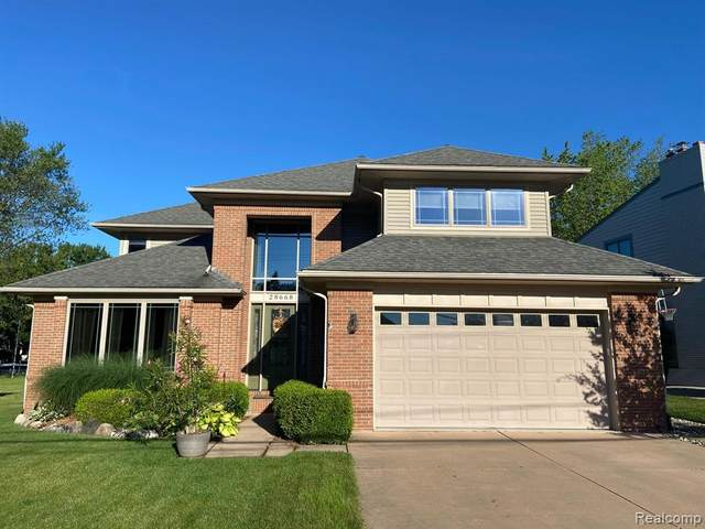 28668 Barbara Ln, Grosse Ile, MI 48138 (MLS #2210028263) :: Kelder Real Estate Group