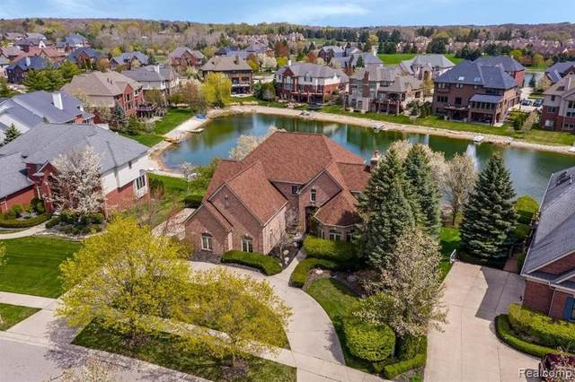 18524 E Clairmont Cir, Northville, MI 48168 (MLS #2210030672) :: Kelder Real Estate Group