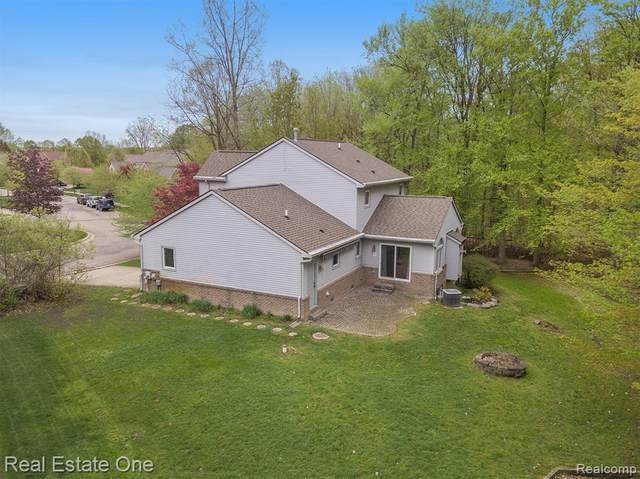 00000 Undisclosed Crt, Holly, MI 99999 (MLS #2210033706) :: The BRAND Real Estate