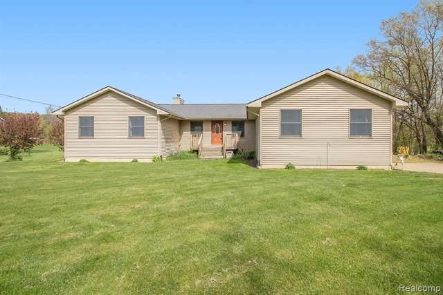 4262 Latoutette, Hartland, MI 48353 (MLS #2210034223) :: The BRAND Real Estate