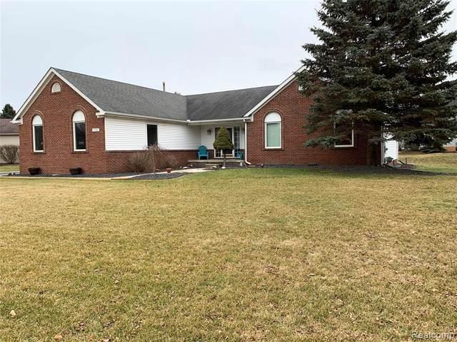 13708 Monarch Dr, South Lyon, MI 48178 (MLS #2210034811) :: The BRAND Real Estate