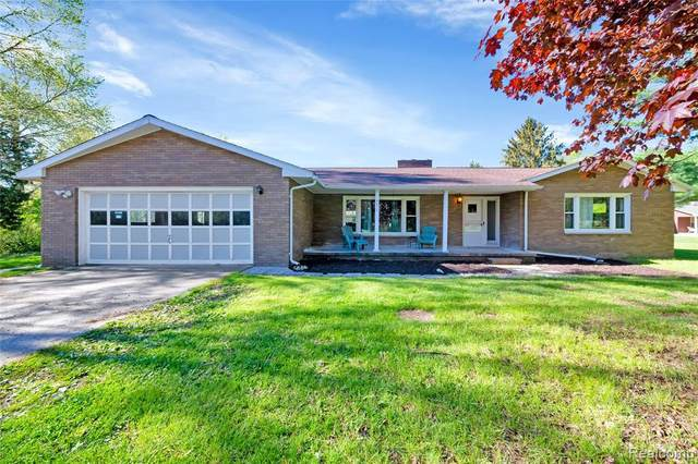 9511 N Territorial Rd, Dexter, MI 48130 (MLS #2210030451) :: The BRAND Real Estate