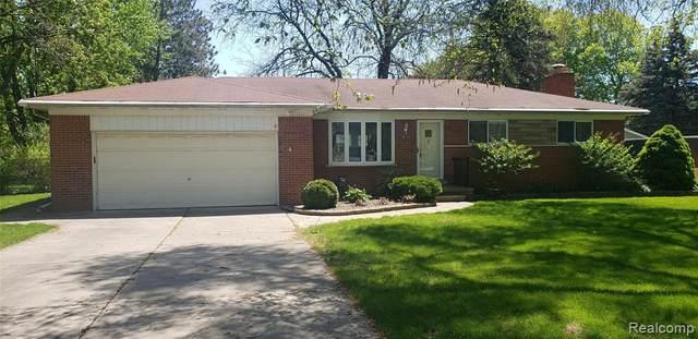 38720 Shoreline Dr, Harrison Twp, MI 48045 (MLS #2210035465) :: The BRAND Real Estate
