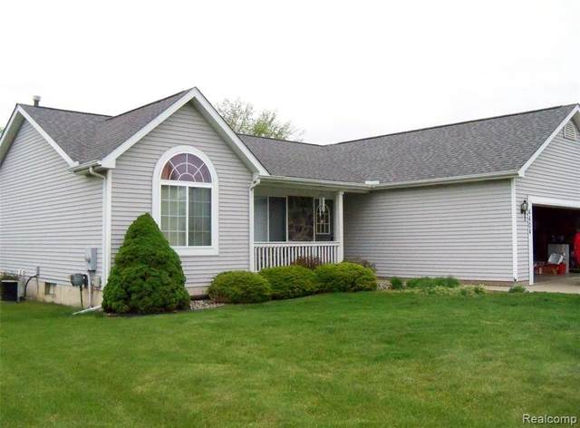 4404 Maplewood Meadows Ave, Grand Blanc, MI 48439 (MLS #2210032495) :: The BRAND Real Estate