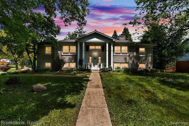 29944 Barwell Rd, Farmington Hills, MI 48334 (MLS #2210039843) :: Kelder Real Estate Group
