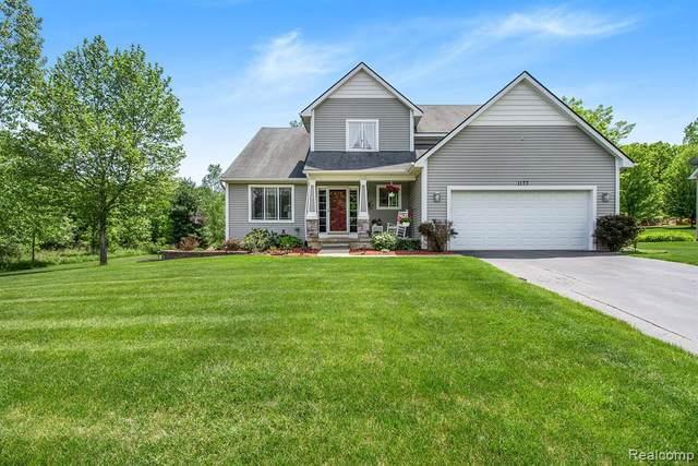 1177 Butternut Crt, Fenton, MI 48430 (MLS #2210040492) :: The BRAND Real Estate