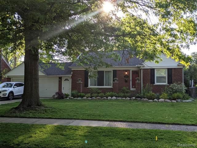 2416 N Vermont Ave, Royal Oak, MI 48073 (MLS #2210042595) :: Kelder Real Estate Group