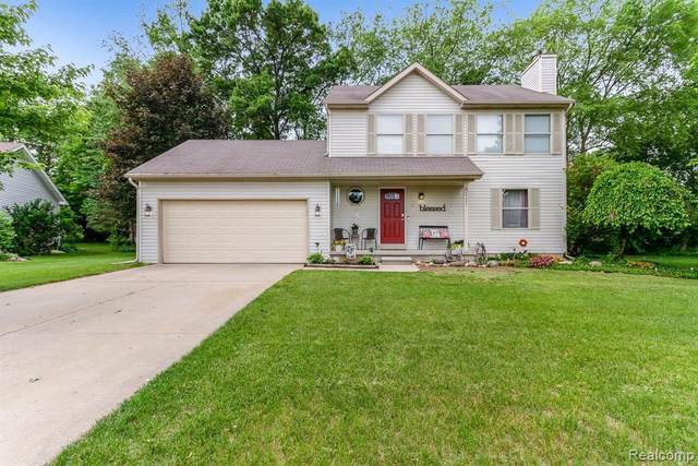 2333 Hickory Circle Dr, Howell, MI 48855 (MLS #2210044320) :: The BRAND Real Estate