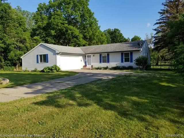 4510 E Hill Rd E, Grand Blanc, MI 48439 (MLS #2210043997) :: The BRAND Real Estate
