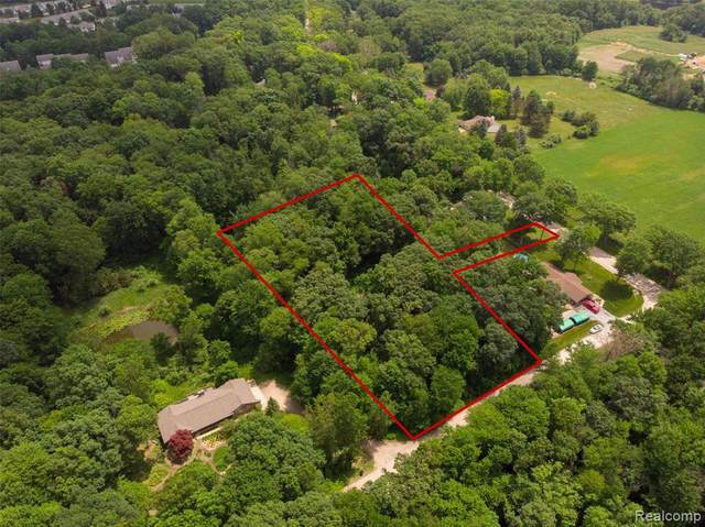 00 Oak Lane Trl, Brighton, MI 48114 (MLS #2210044346) :: The BRAND Real Estate