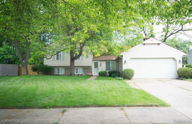 3897 Root Dr, Troy, MI 48083 (MLS #2210044986) :: The BRAND Real Estate