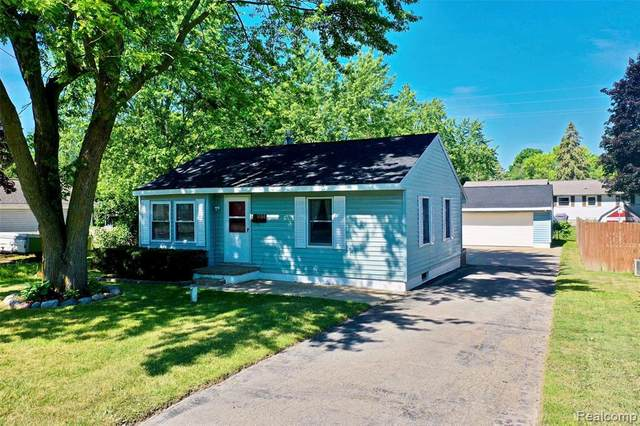 1484 S Belsay Rd, Burton, MI 48509 (MLS #2210045106) :: The BRAND Real Estate