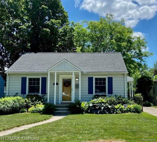 907 Greenleaf Dr, Royal Oak, MI 48067 (MLS #2210045297) :: Kelder Real Estate Group