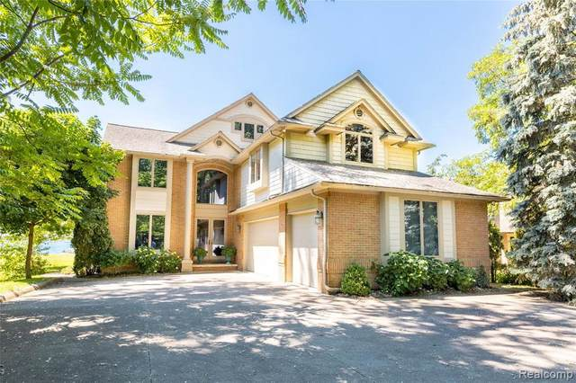 28790 Coleman Dr, Grosse Ile, MI 48138 (MLS #2210046093) :: Kelder Real Estate Group