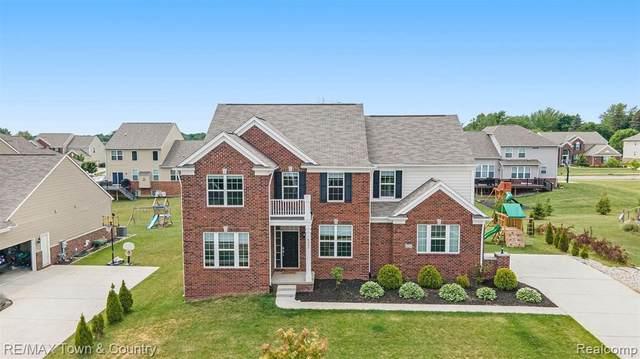 6054 Topaz Cir, Grand Blanc, MI 48439 (MLS #2210048055) :: Kelder Real Estate Group