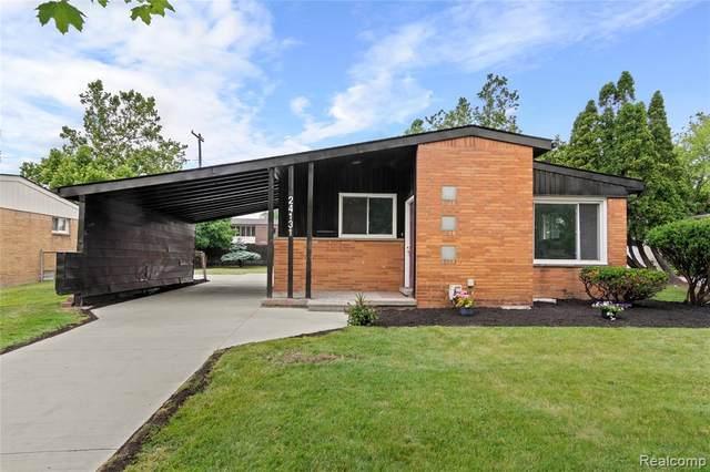 24131 Beverly St, Oak Park, MI 48237 (MLS #2210050032) :: Kelder Real Estate Group