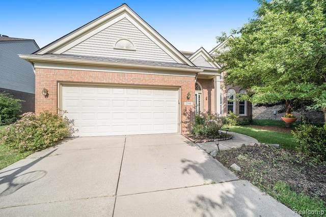 2140 Timberridge Crt, West Bloomfield, MI 48324 (MLS #2210051963) :: Kelder Real Estate Group