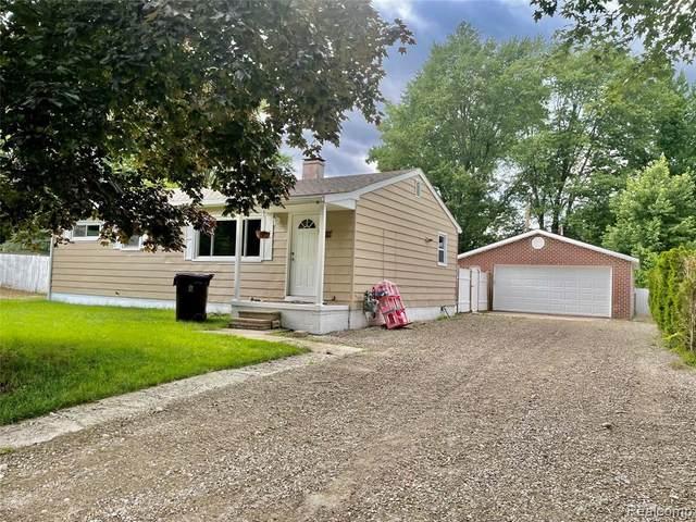 46082 Traskos St, Belleville, MI 48111 (MLS #2210052362) :: Kelder Real Estate Group