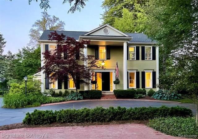 680 Fairfax St, Birmingham, MI 48009 (MLS #2210050361) :: Kelder Real Estate Group