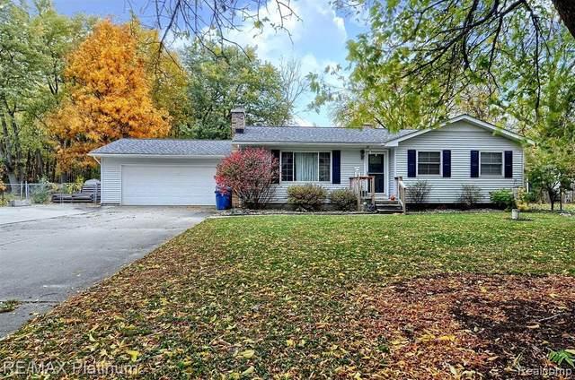 7211 Brittwood Ln, Flint, MI 48507 (MLS #2210052819) :: Kelder Real Estate Group
