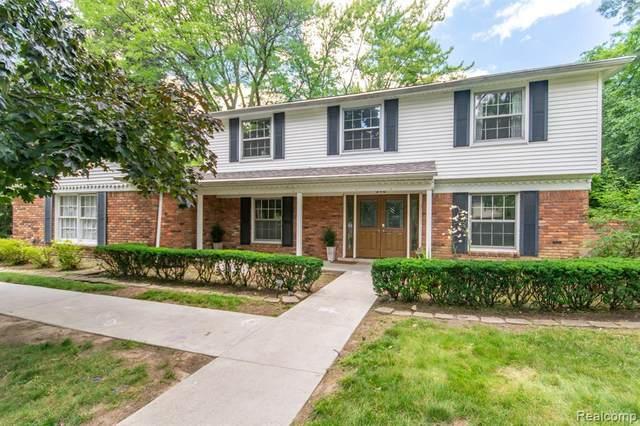 640 Wilshire Dr, Bloomfield Hills, MI 48302 (MLS #2210053000) :: Kelder Real Estate Group