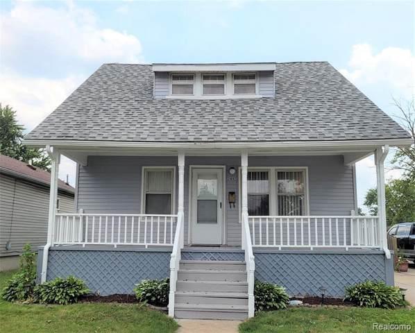 24892 Saxony Ave, Eastpointe, MI 48021 (MLS #2210053543) :: Kelder Real Estate Group