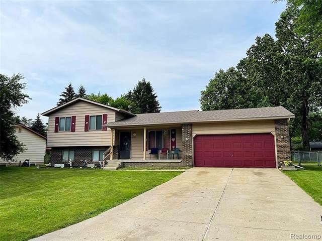 9386 Woodside Trl, Swartz Creek, MI 48473 (MLS #2210053913) :: Kelder Real Estate Group