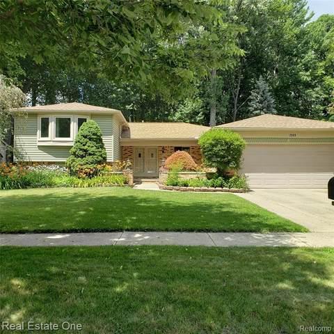 2089 Topaz Dr, Troy, MI 48085 (MLS #2210054120) :: Kelder Real Estate Group