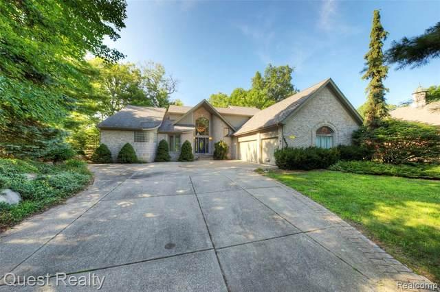 10158 Boulder Pass, Davisburg, MI 48350 (MLS #2210054518) :: Kelder Real Estate Group