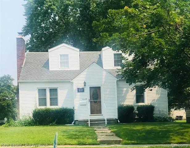 516 Adams St, Saint Clair, MI 48079 (MLS #2210048086) :: Kelder Real Estate Group