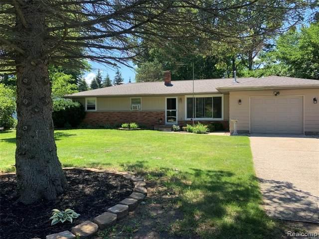 6519 Bunker Rd, Burtchville, MI 48059 (MLS #2210046171) :: Kelder Real Estate Group