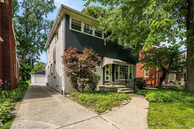1955 Severn Rd, Grosse Pointe Woods, MI 48236 (MLS #2210055323) :: Kelder Real Estate Group