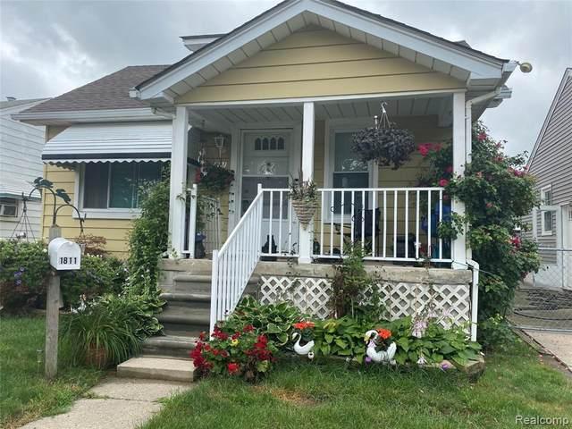 1811 Russell Ave, Lincoln Park, MI 48146 (MLS #2210055580) :: Kelder Real Estate Group
