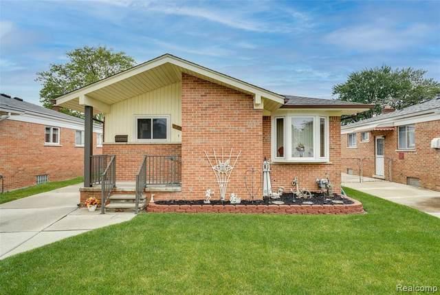 27605 Princeton St, Saint Clair Shores, MI 48081 (MLS #2210054167) :: Kelder Real Estate Group