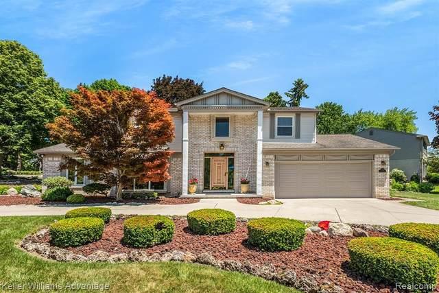 42185 Baintree Cir Cir, Northville, MI 48168 (MLS #2210055851) :: Kelder Real Estate Group
