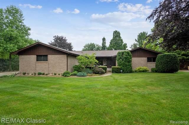 42336 Chatterton Crt, Northville, MI 48168 (MLS #2210054526) :: Kelder Real Estate Group