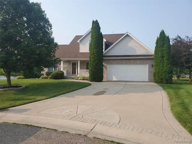 7161 Crosswinds Dr, Swartz Creek, MI 48473 (MLS #2210055378) :: Kelder Real Estate Group