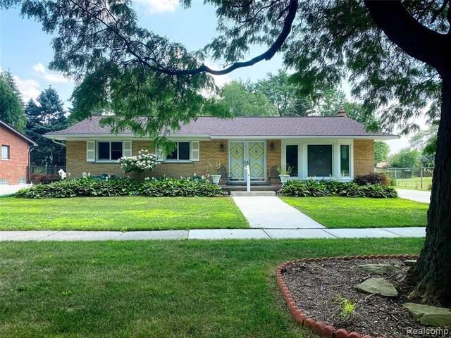 31221 Lyndon St, Livonia, MI 48154 (MLS #2210055925) :: Kelder Real Estate Group