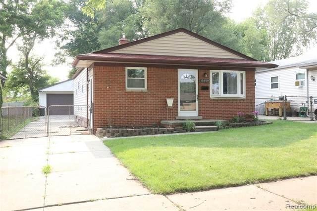 8919 Beatrice St, Livonia, MI 48150 (MLS #2210058078) :: Kelder Real Estate Group