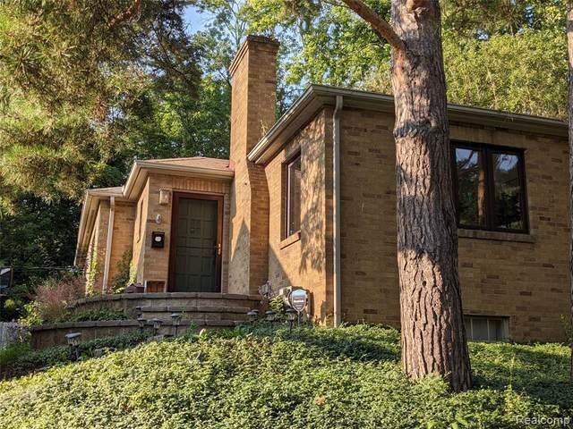 2023 Brookside Dr, Flint, MI 48503 (MLS #2210058548) :: Kelder Real Estate Group