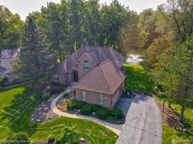 5521 Huron Hills Dr, Update, MI 48382 (MLS #2210058028) :: Kelder Real Estate Group