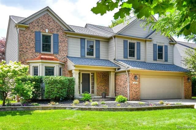 2692 Aubrey Dr, Lake Orion, MI 48360 (MLS #2210059152) :: Kelder Real Estate Group