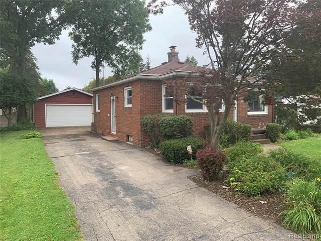 2298 E Judd Rd, Burton, MI 48529 (MLS #2210059694) :: Kelder Real Estate Group