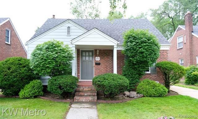 2701 N Wilson Ave, Royal Oak, MI 48073 (MLS #2210059837) :: Kelder Real Estate Group