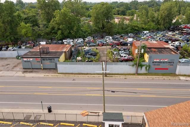 2550 E Mcnichols Rd, Detroit, MI 48212 (MLS #2210060008) :: The BRAND Real Estate