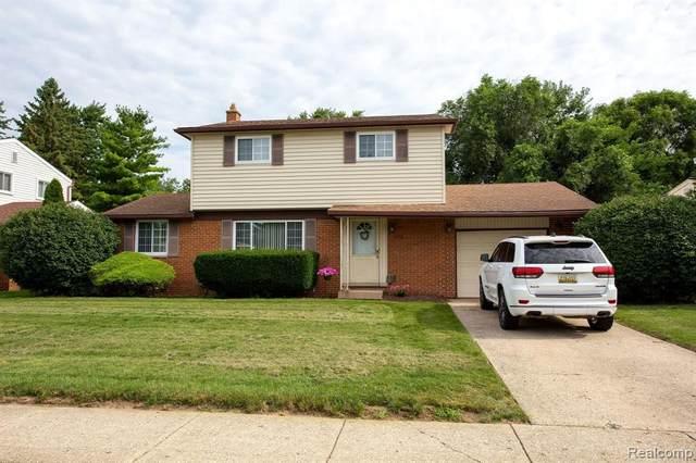 8729 San Marco Blvd, Sterling Heights, MI 48313 (MLS #2210059901) :: Kelder Real Estate Group