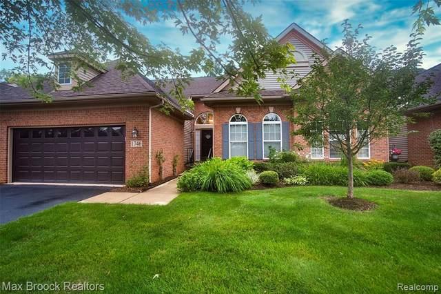 1746 Treyborne Cir, Update, MI 48390 (MLS #2210059339) :: The BRAND Real Estate
