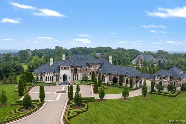 5393 Barrington Dr, Rochester, MI 48306 (MLS #2210057906) :: The BRAND Real Estate